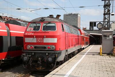 DB 218420, München Hbf, RE57509 12.06 ex Füssen - 08/09/17