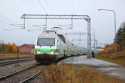 VR Sr2 3215, Kemijärvi, IC265 18.49 ex Helsinki - 05/10/17