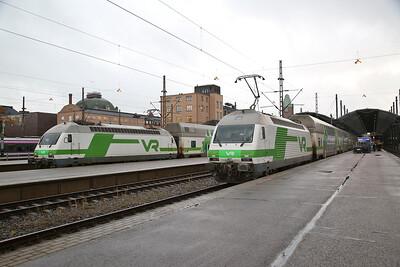 VR Sr2 3214 / Sr2 3207, Helsinki Central, IC104 06.13 ex Imatra / IC164 05.20 ex Pori - 04/10/17