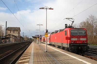 DB 143242, Dieburg, RB15716 11.46 Aschaffenburg-Wiesbaden - 09/12/17.