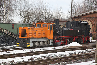 DBG 199032 & 99 574, outside the depot at Mügeln - 03/02/17.