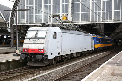 NS 186149, Amsterdam C.S., on rear of IC1040 13.22 to Rotterdam - 19/03/17.