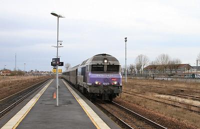 SNCF 72121 arr Romilly sur Seine, 11742 14.12 Troyes-Paris Est - 28/01/17.