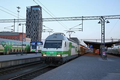 VR Sr2 3220, Tampere, IC149 18.49 Helsinki-Jyväskylä - 19/04/18