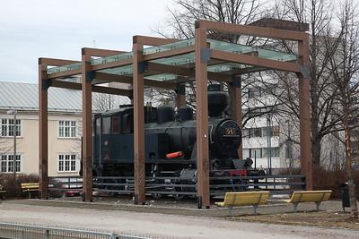 Finnish Railways Vr2 0-6-2T No. 961, plinthed at Jyväskylä station - 20/04/18