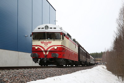 """VR Dr13 2343, Valtra Oy (tractor factory), MUS1921 BLS """"Central/Northern Finland Freight Line Railtour"""" Day 1 - 20/04/18"""