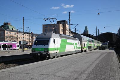 VR Sr2 3232, Helsinki Central, IC48 12.40 ex Vaasa - 19/04/18