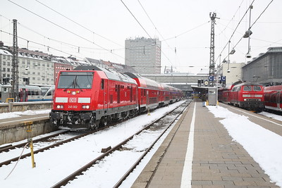 DB 245002 / 218414, München Hbf, RE57414 16.20 to Memmingen / RE57511 14.06 ex Füssen - 20/02/18
