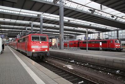 DB 111185 / 111201, München Hbf, RE4888 15.59 to Ingolstadt / RE57090 16.16 to Augsburg - 20/02/18