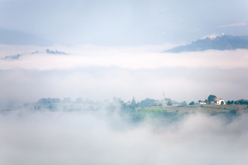 <font size=+2>Early Morning Fog</font>  Montone, Italy <font size=-1>(5-02696)</font>
