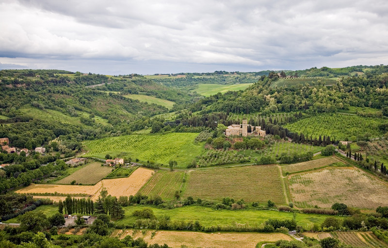 <font size=+2>Countryside</font>   Orvieto, Italy <font size=-1>(5-03765)</font>