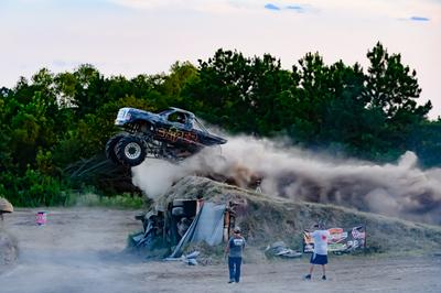 August 15, 2020-Pine Valley Raceway 'Mega Trucks Plus T& T'-ND5_0009