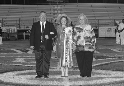 QUEENS ON THE FIELD PRESENTATION BLACK AND WHITE 1-3-14