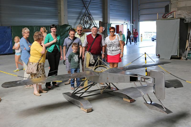 Viering 100 Jaar Internationale Vliegweek in Temse - Zondag 16 september 2012<br /> Gelast watervliegtuig - Koninklijk Atheneum