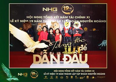 Chụp ảnh lấy liền và in hình lấy liền từ photobooth/photo booth tại sự kiện kỷ niệm 19 năm thành lập tập đoàn Nguyễn Hoàng | Instant Print Photobooth/Photo Booth at 19th Year Anniversary NHG Party | PRINTAPHY - PHOTO BOOTH VIETNAM