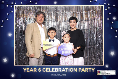 Chụp ảnh lấy liền và in hình lấy liền từ photobooth/photo booth tại sự kiện tốt nghiệp lớp 6 trường quốc tế BIS | Instant Print Photobooth/Photo Booth at BIS Year 6 Graduation | PRINTAPHY - PHOTO BOOTH VIETNAM