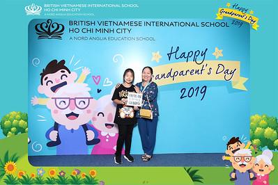 Dịch vụ in ảnh lấy liền & cho thuê photobooth tại sự kiện ngày ông bà của trường BVIS 2019   Instant Print Photobooth Vietnam at BVIS Grandparents' Day
