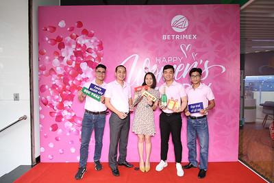 Dịch vụ in ảnh lấy liền & cho thuê photobooth tại sự kiện Mừng ngày Quốc tế Phụ nữ của công ty Betrimex | Instant Print Photobooth Vietnam at Betrimex Women's Day Celebration
