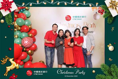 Dịch vụ in ảnh lấy liền & cho thuê photobooth tại sự kiện tiệc giáng sinh của ngân hàng CTBC | Instant Print Photobooth Vietnam at CTBC Bank Christmas Party