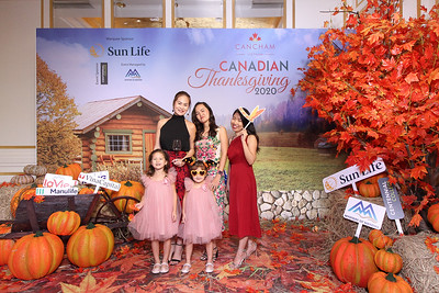 Dịch vụ in ảnh lấy liền & cho thuê photobooth tại sự kiện mừng Lễ Tạ ơn Canada  | Instant Print Photobooth Vietnam at Canadian Thanksgiving Party