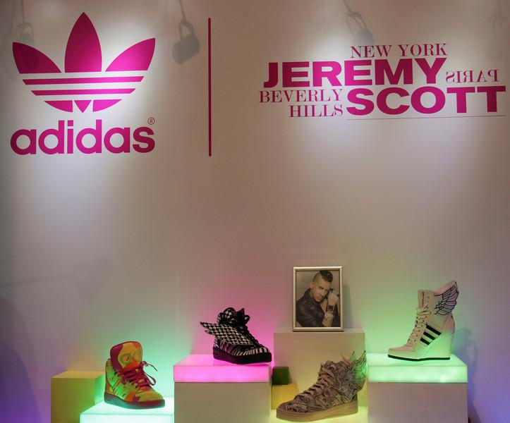 Adidas - Jeremy Scott