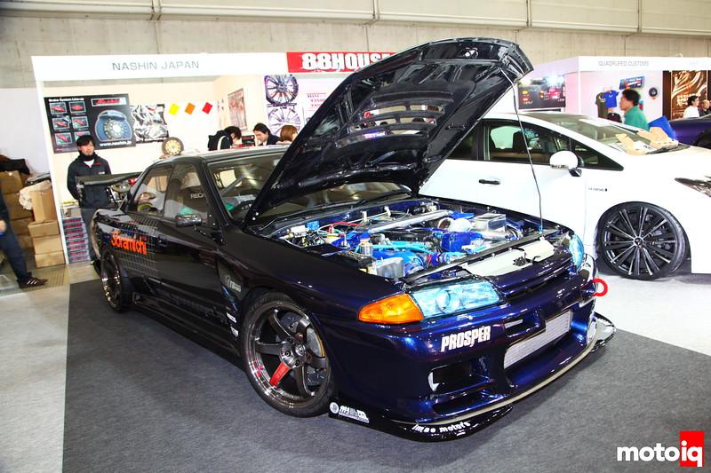 Nashin Japan NHR32: OS Giken 5-speed and clutch, Nismo LSD, Recaro seating, Nardi Steering, Prosper Metering, Tein Suspension w/Hyperco F20G/R18G springs, Nashin F380mm/R345mm brakes, Rays 18X11J TE37SL,