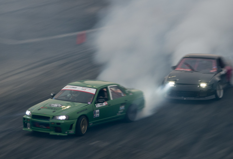 Nissan Skyline and Nissan 240sx drifting