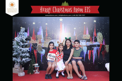 Chụp ảnh lấy liền và in hình lấy liền từ photobooth/photo booth tại sự kiện tiệc giáng sinh trường EIS | Instant Print Photobooth/Photo Booth at EIS Christmas Party | PRINTAPHY - PHOTO BOOTH HO CHI MINH | PHOTO BOOTH VIETNAM