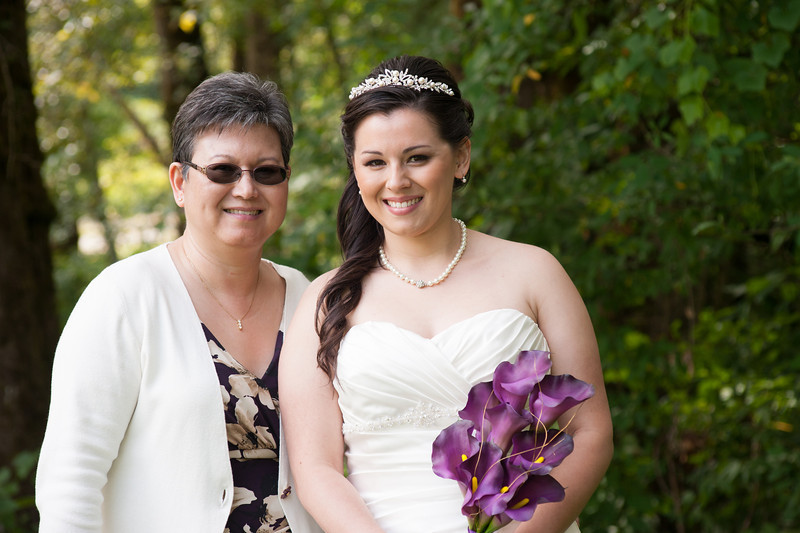 130712-Gilley_Wedding_Bridal_Party_and_Family-128