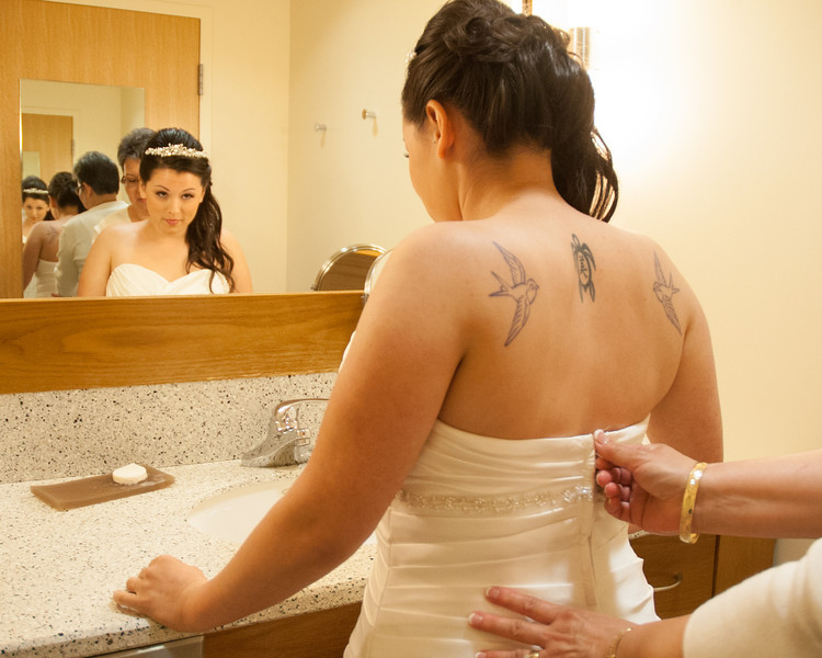 130712-Gilley_Wedding_Prep-63