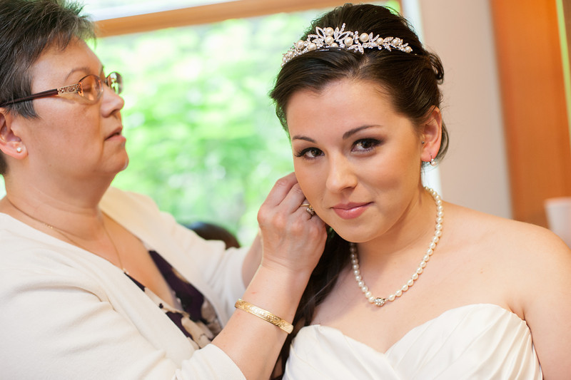130712-Gilley_Wedding_Prep-78