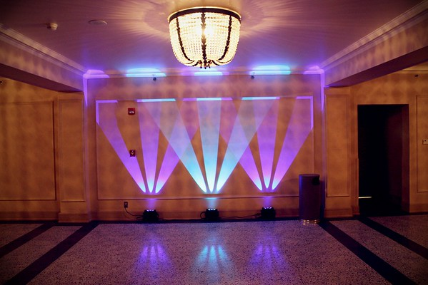 Wall Art Lighting. Mix your colors.