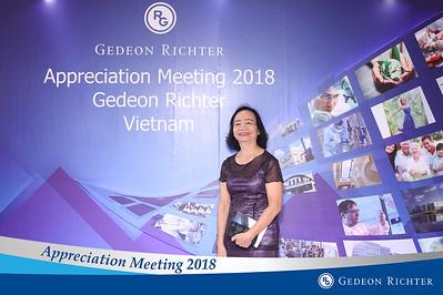 Chụp ảnh lấy liền và in hình lấy liền từ photobooth/photo booth tại Tiệc tri ân của công ty Gedeon Richter | Instant Print Photobooth/Photo Booth at Gedeon Richter Appreciation Meeting | PRINTAPHY - PHOTO BOOTH VIETNAM