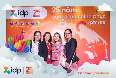 Dịch vụ in ảnh lấy liền & cho thuê photobooth tại sự kiện Hội thảo của công ty IDP | Instant Print Photobooth Vietnam at IDP Conference