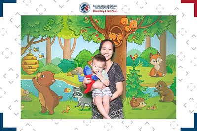 Dịch vụ in ảnh lấy liền & cho thuê photobooth tại sự kiện giới thiệu trường ISSP tại Tini World Takashimaya | Instant Print Photobooth Vietnam at ISSP Tini World Takashimaya