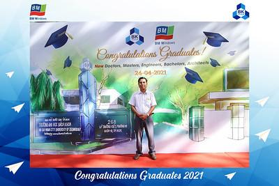 Dịch vụ in ảnh lấy liền & cho thuê photobooth tại sự kiện Lễ tốt nghiệp trường Đại học Bách khoa 2021 | Instant Print Photobooth Vietnam at HCMUT's Graduation 2021