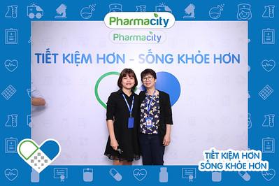 Dịch vụ in ảnh lấy liền & cho thuê photobooth tại sự kiện tiệc tập huấn của Phamacity | Instant Print Photobooth Vietnam at Pharmacity Company Training