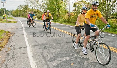 Tandems Leaving Rest Stop_©2011RCohen