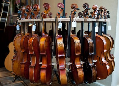 Rack of Fiddles_©2013BobCohen
