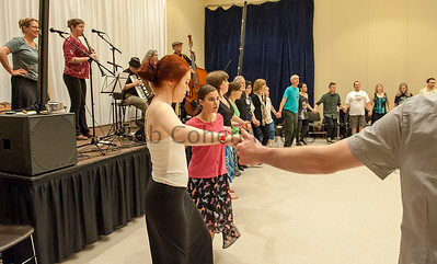 Beckys_Intro_To_Balkan_Dance_1_©2014BobCohen