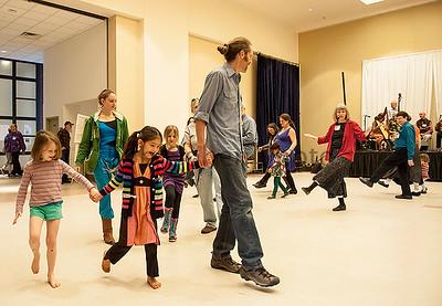 Family_Dance_Frolic_IV_©2014BobCohen
