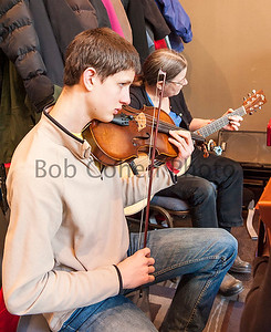 Brown_Haired_Violinist_©2014BobCohen