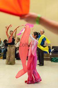 Chinese_Ribbon_And_Fan_Dance_2016_Flurry_8513©2016BobCohen