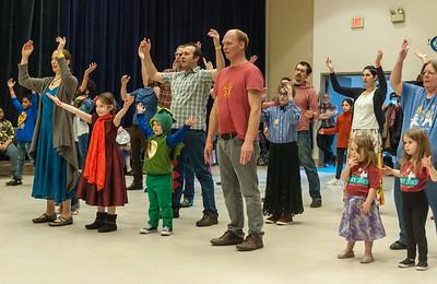 Family Dance the World Around_2019FlurryBOB_6778©BobCohen