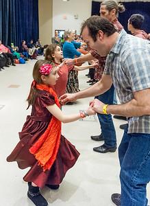 Family Dance the World Around_2019FlurryBOB_6819©2019BobCohen