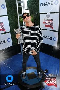 3.5.2017 - Chase - iHR Music Awards