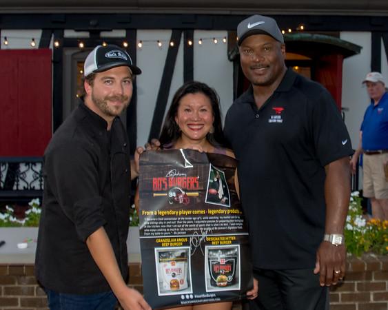 Awards Bo Burgers Mobile 9 16 18 mcspixs-8135