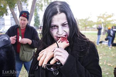 Snacking Zombie - Zombie Walk 2013