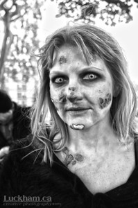 You look hungry, and I gotta go - Zombie Walk 2013