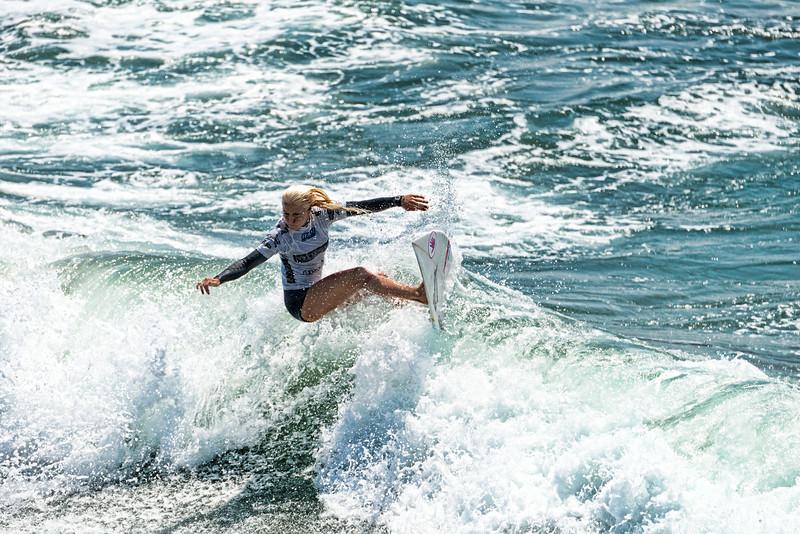 Surfer Girl Pro surfing 2014